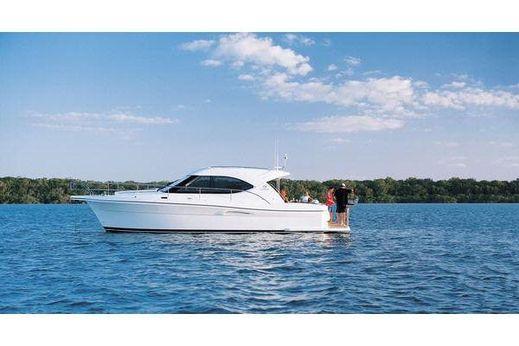 2009 Riviera 3600 Sport Yacht
