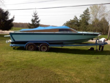1978 Hawaiian 23' Jet Boat Small Cuddy