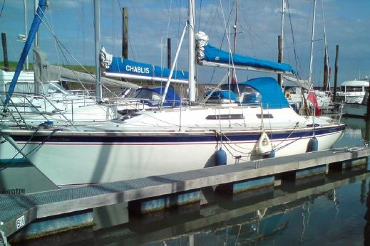 1990 Westerly Storm 33 Cruiser