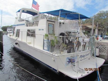 1986 Chris-Craft Yacht Home