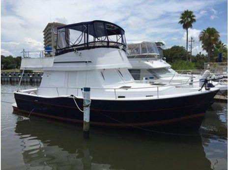 1999 Mainship 390 Trawler Twin Diesels