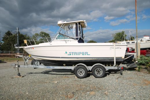 1997 Seaswirl 2150 Walkaround