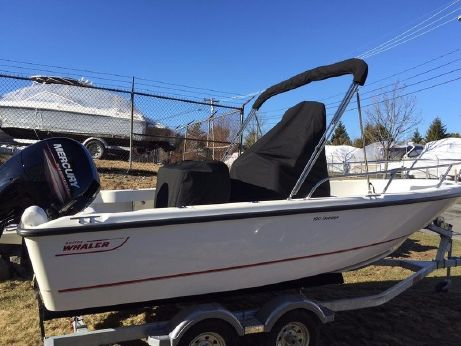 2016 Boston Whaler 190 Outrage