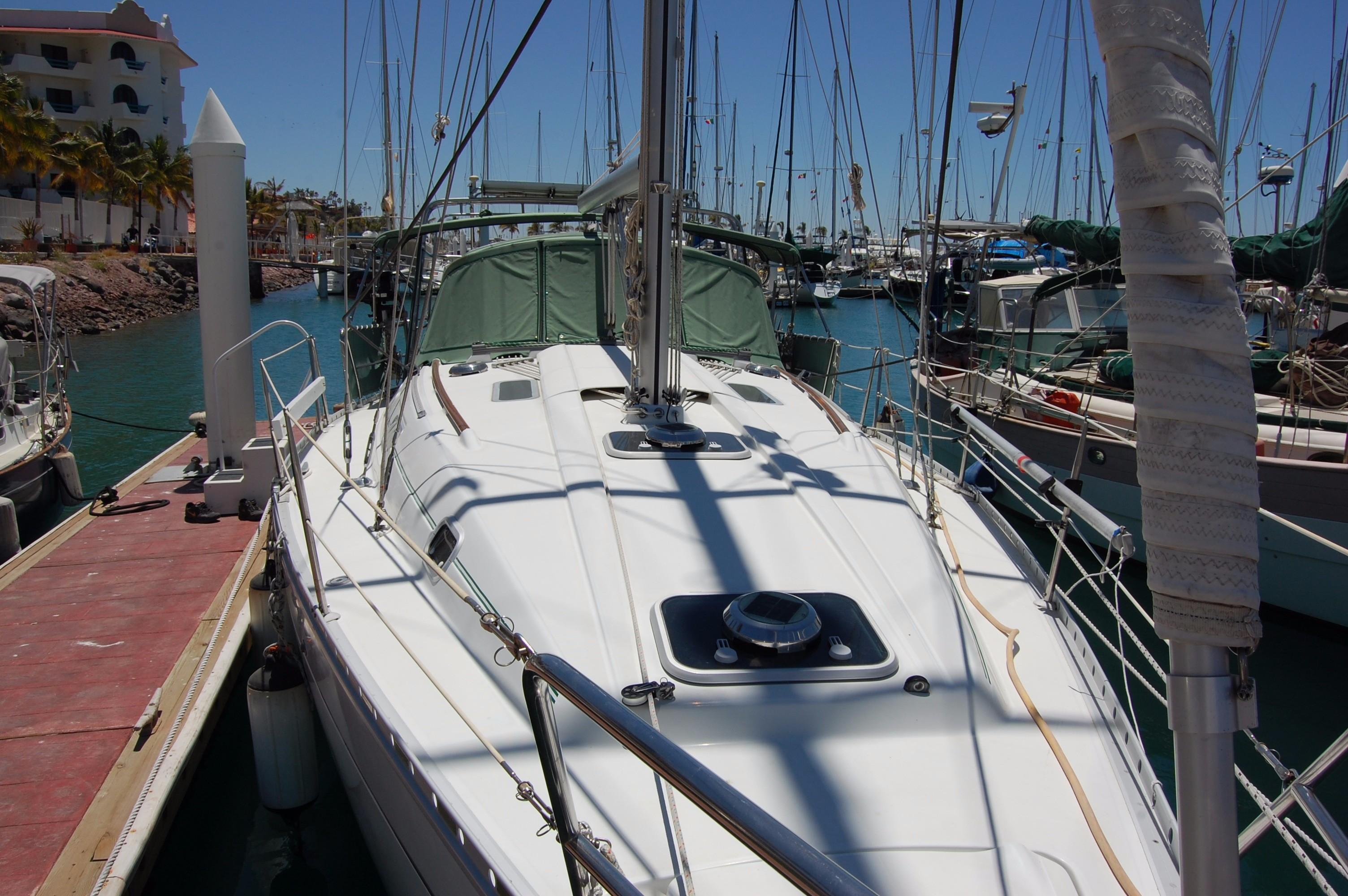 35' Beneteau Oceanis 351+Photo 5