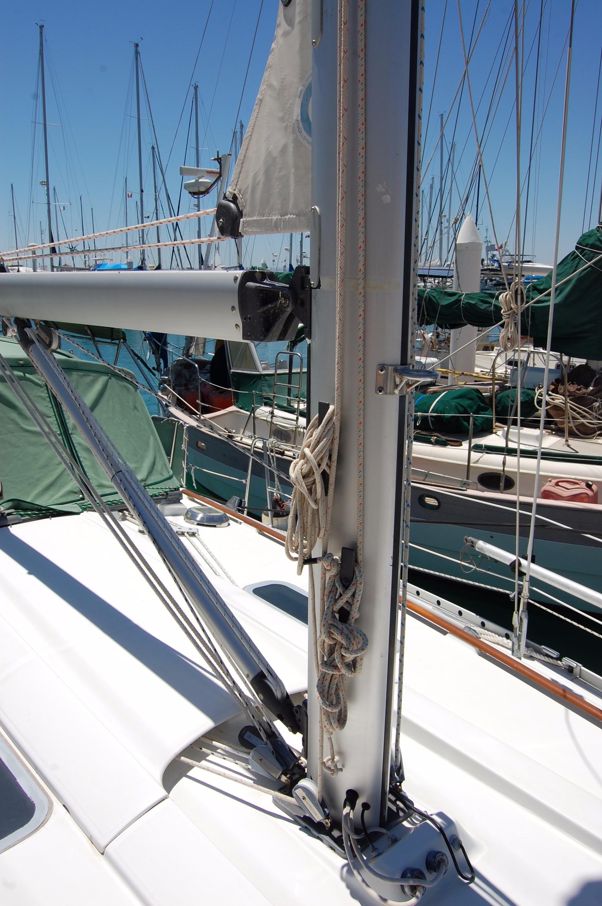 35' Beneteau Oceanis 351+Photo 7