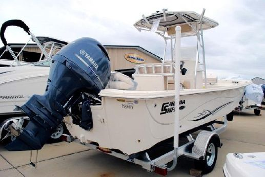 2016 Carolina Skiff 218 DLV Center Console