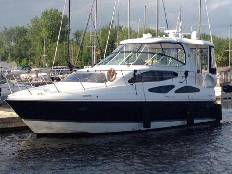 2012 Cruisers Yachts 455 Express Motor Yacht