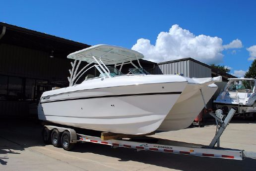 2017 World Cat 2740 Dual Console