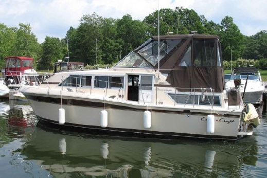 1981 Chris-Craft 381 Catalina Motoryacht