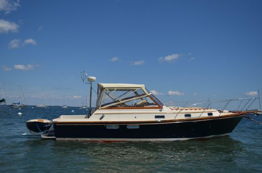 2010 Little Harbor Custom 34 Express Cruiser With Propeller Drives