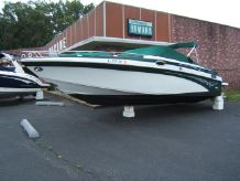 2001 Crownline 288 BOW RIDER