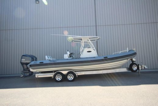 2018 Zodiac Pro 850 Optimum NEO Twin 250hp DEC In Stock
