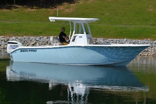 2016 Sea Pro 239 Center Console