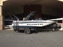 2015 Malibu Wakesetter 20 VTX with 350 HP