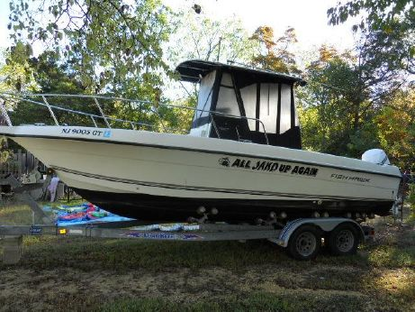 2003 Fish Hawk 233 CC w ENCL AND TRAILER