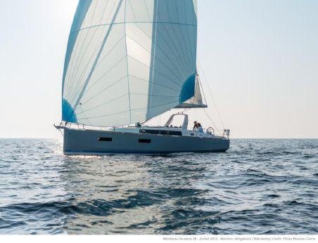 2017 Beneteau Oceanis 38