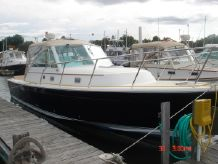 2005 Hunt Yachts Surfhunter 33