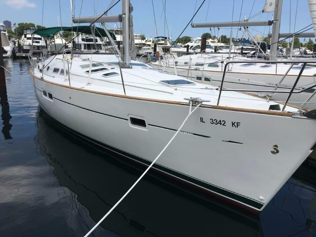 how to clean screens on windows of beneteau 423