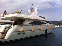 2007 Ferretti Yachts 830