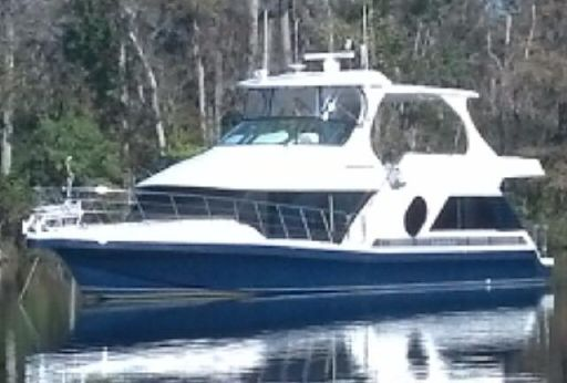 2008 Bluewater Yachts 5200 Custom w/Cummins