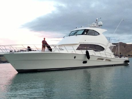 2010 Riviera ENCLOSED FLYBRIDGE