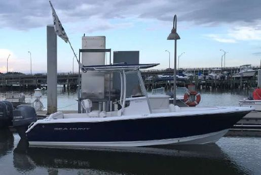2015 Sea Hunt 211 Ultra