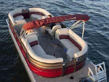 """2020 Misty Harbor B2285CU Tri-Toon DBL """"U"""""""