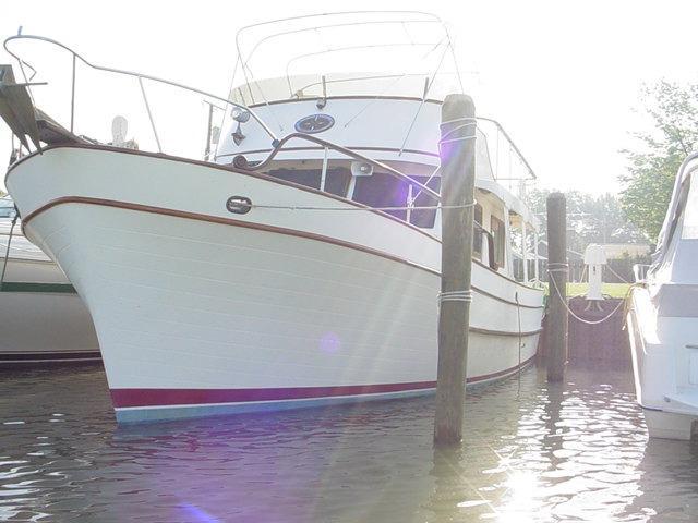 40 ft 1979 marine trader 40 sedan