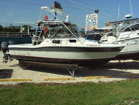 1987 Robalo R 2660 Cuddy