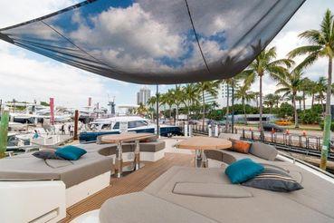 thumbnail photo 2: 2018 Monte Carlo Yachts MCY 80