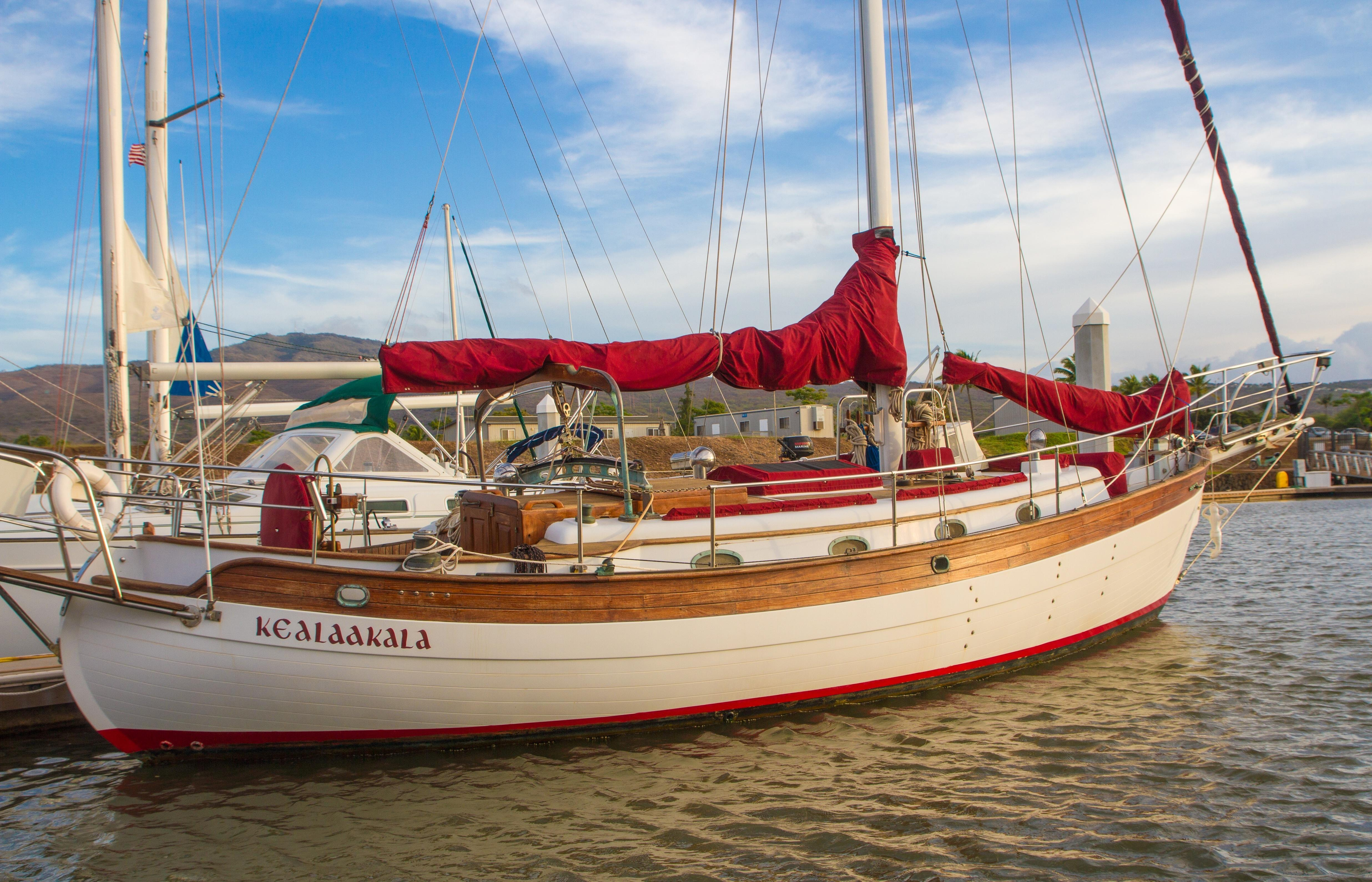 3989932_20121220123833_1_XLARGE&w=4944&h=3180&t=1356035943000 1984 hans christian 38t sail boat for sale www yachtworld com Simple Boat Wiring Diagram at n-0.co