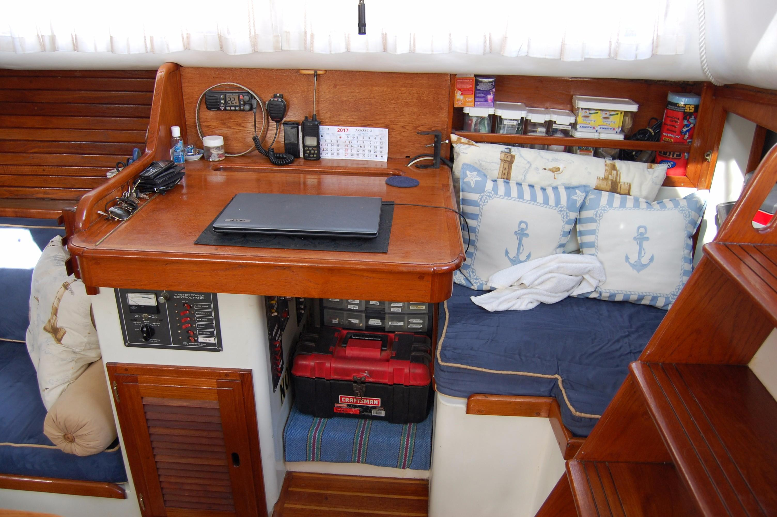 38' Downeaster Cutter+Photo 18