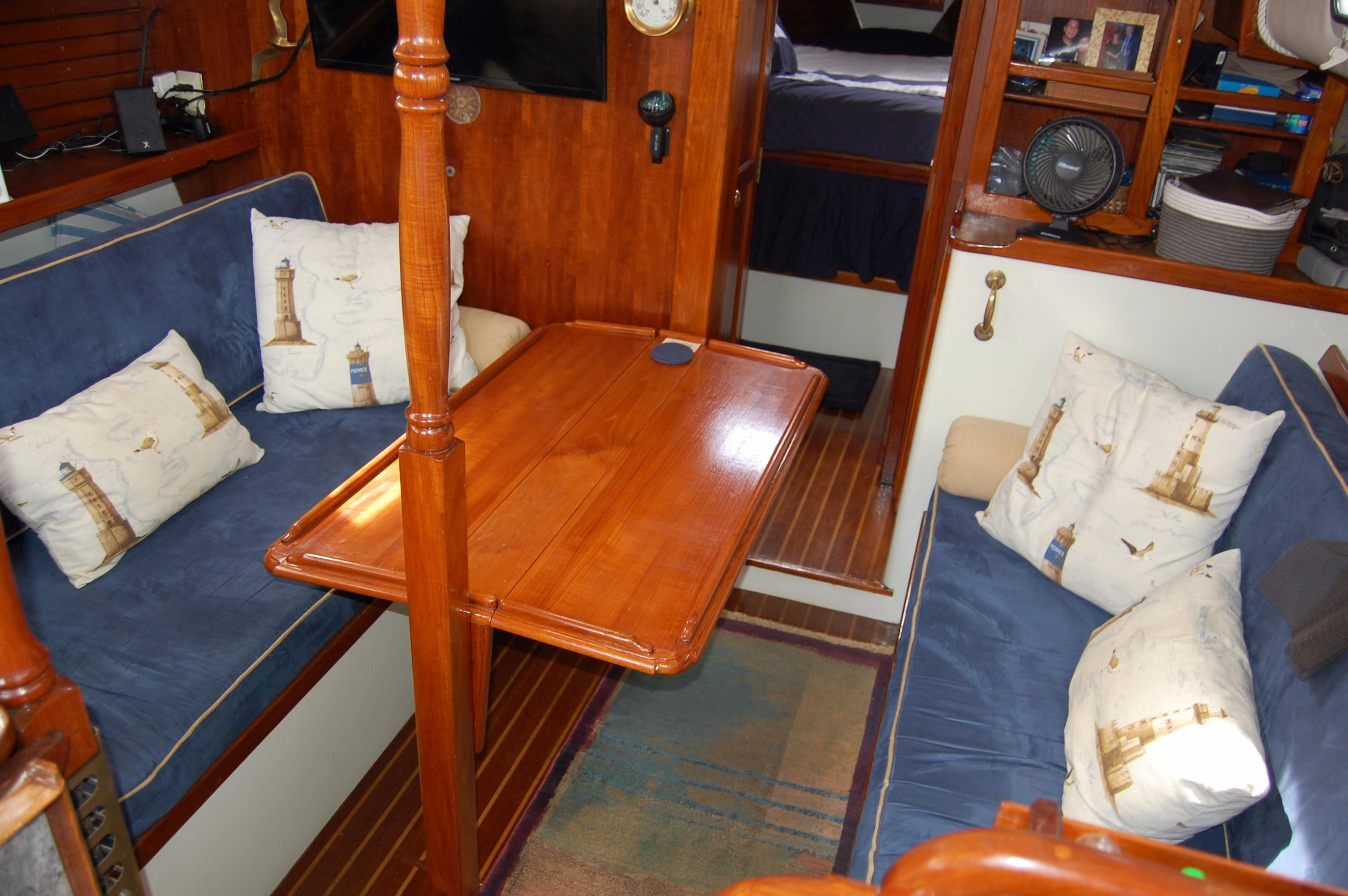 38' Downeaster Cutter+Photo 20