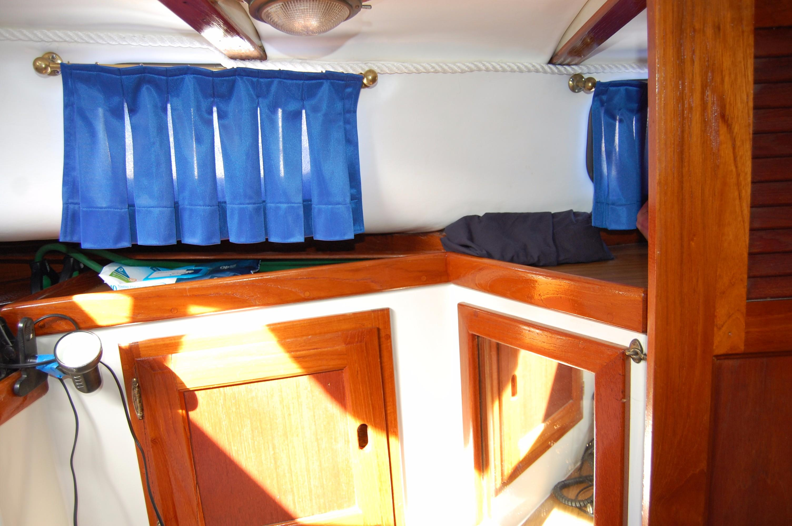 38' Downeaster Cutter+Photo 30
