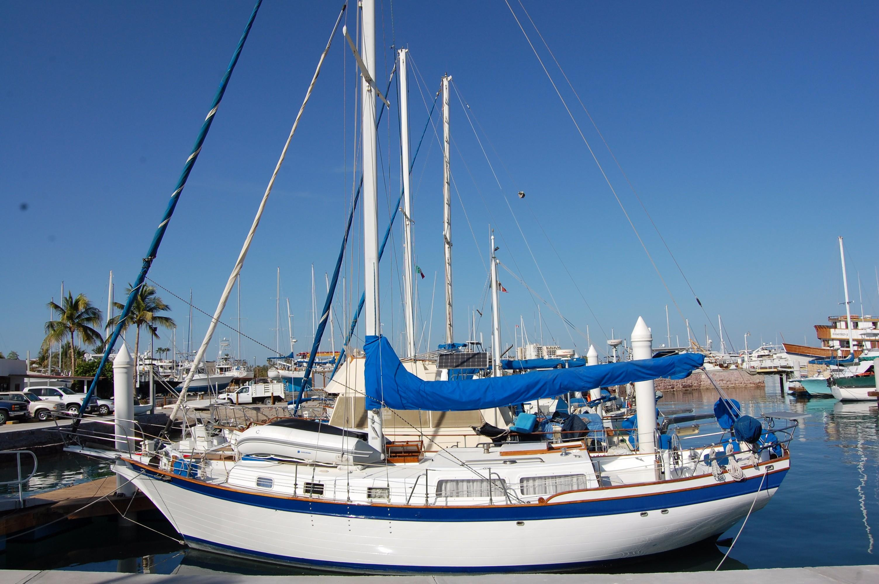 38' Downeaster Cutter+Photo 5