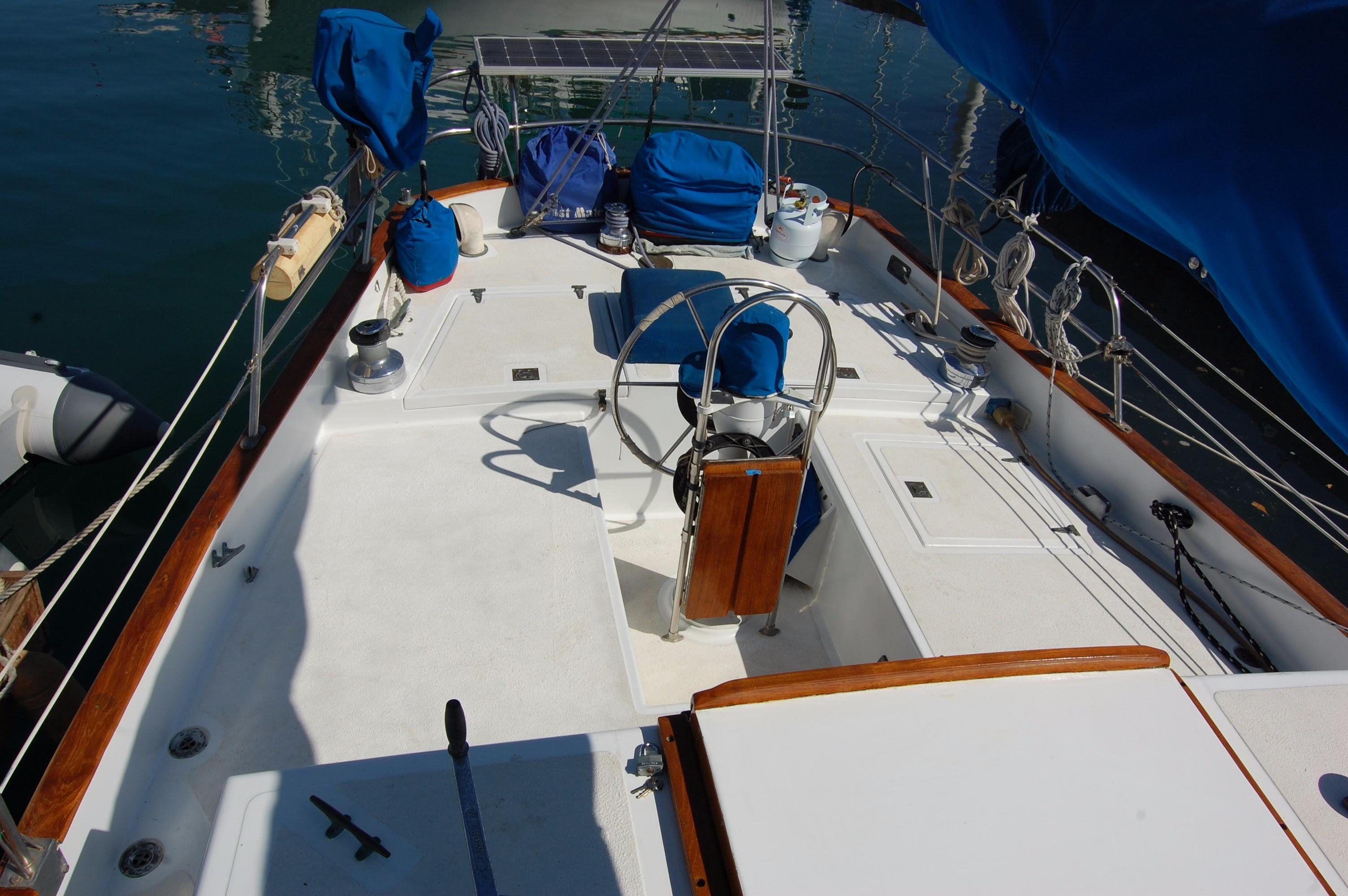 38' Downeaster Cutter+Photo 11