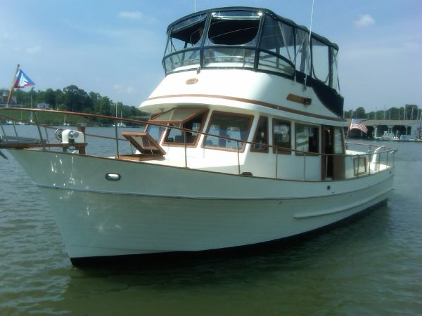 38 ft 1980 conquest trawler
