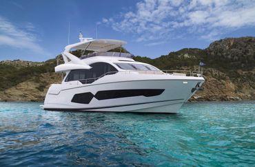 thumbnail photo 1: 2018 Sunseeker 76 Yacht