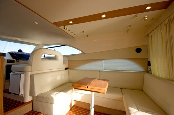 Rodman 41 Type Motor. This fast and sea-worthy motor yacht is as good as new ...