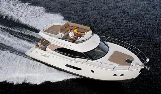 2015 Carver Yachts C 40