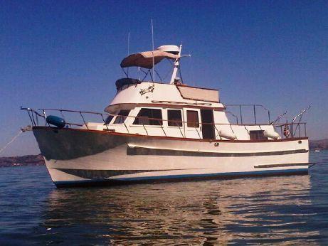 1981 36' Mmc Twin Cabin Trawler