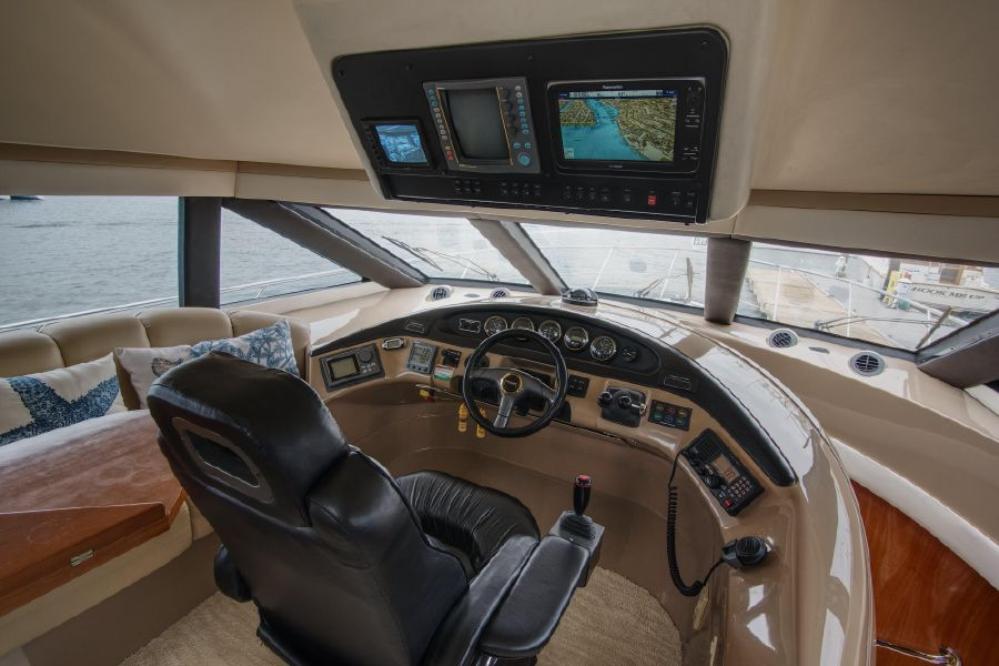 Carver 530 Voyager Pilothouse yacht for sale in Newport Beach