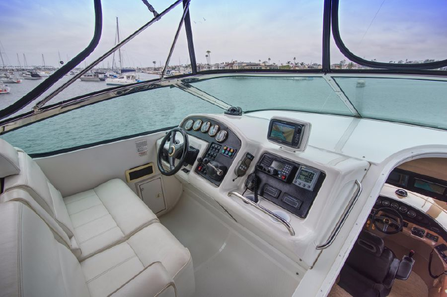 Carver 530 Voyager Pilothouse for sale in Newport Beach