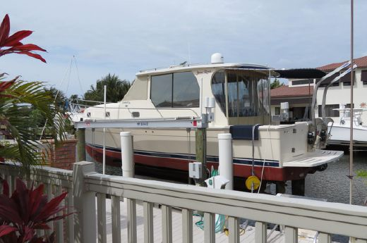 2006 Mainship Luxury 34 Pilot Sedan