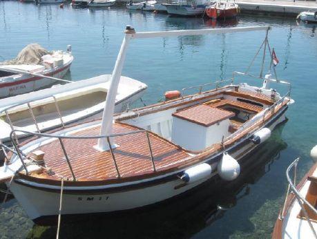 2003 Unbekannt Dalmatisches Holzfischerboot