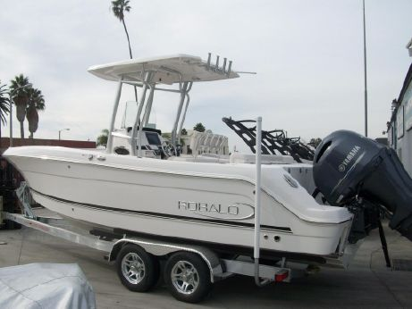 Robalo r242 center console boats for sale yachtworld for Robalo fish in english