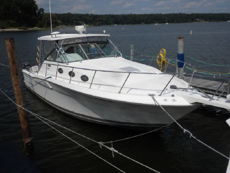 2005 Wellcraft 330 Coastal