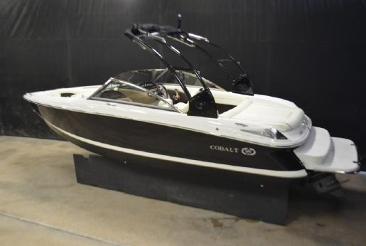 2015 Cobalt 210 Bowrider with 270 HP