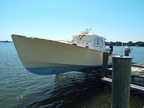 2000 Hinckley 36 Picnic Boat Classic