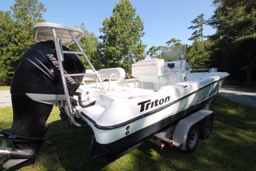 2006 Triton 24 LTS